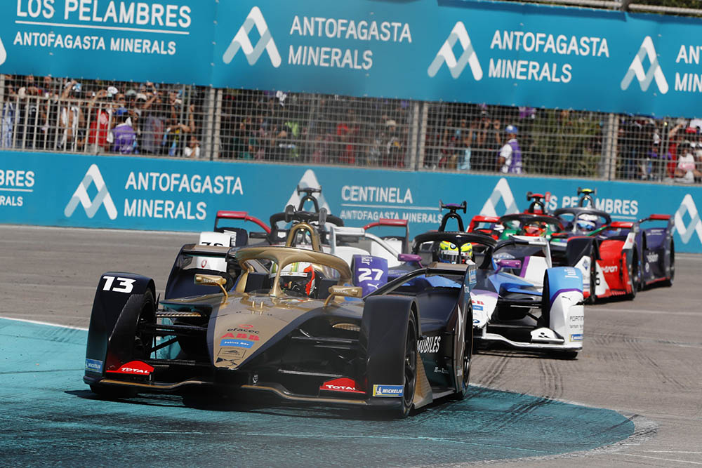PARQUE O'HIGGINS CIRCUIT, CHILE - JANUARY 18: Antonio Felix da Costa (PRT), DS Techeetah, DS E-Tense FE20 during the Santiago E-prix at Parque O'Higgins Circuit on January 18, 2020 in Parque O'Higgins Circuit, Chile. (Photo by Alastair Staley / LAT Images)